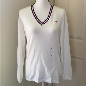 V neck sweater with logo on chest